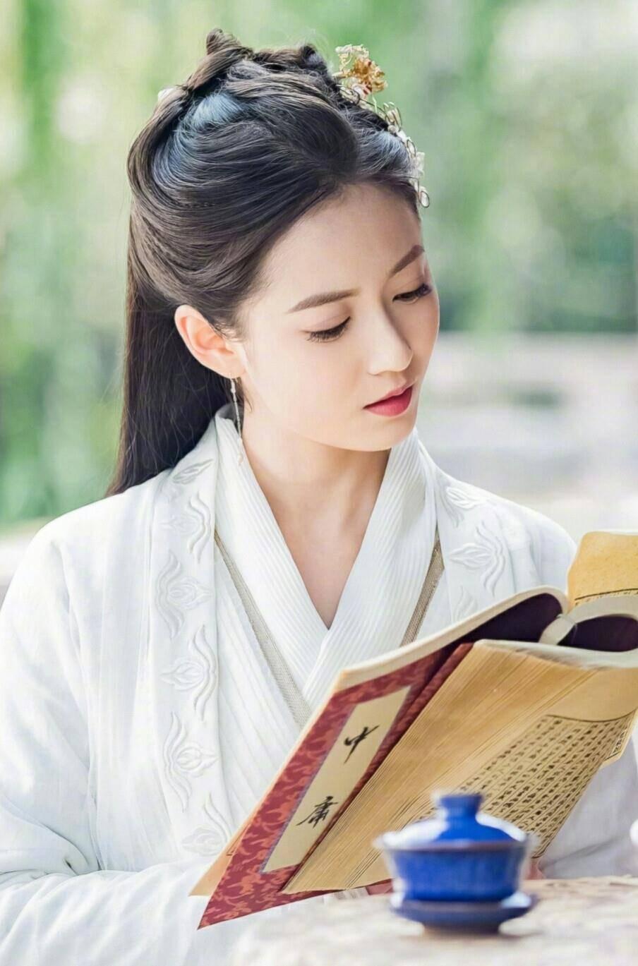历史上的赵敏非但没跟张无忌私奔,反而嫁给了朱元璋的儿子