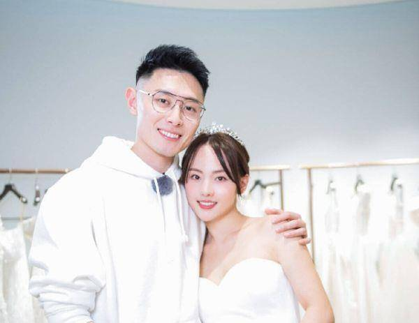 一首《小幸运》为买超庆生,张嘉倪发文感动网友,我又相信爱情了