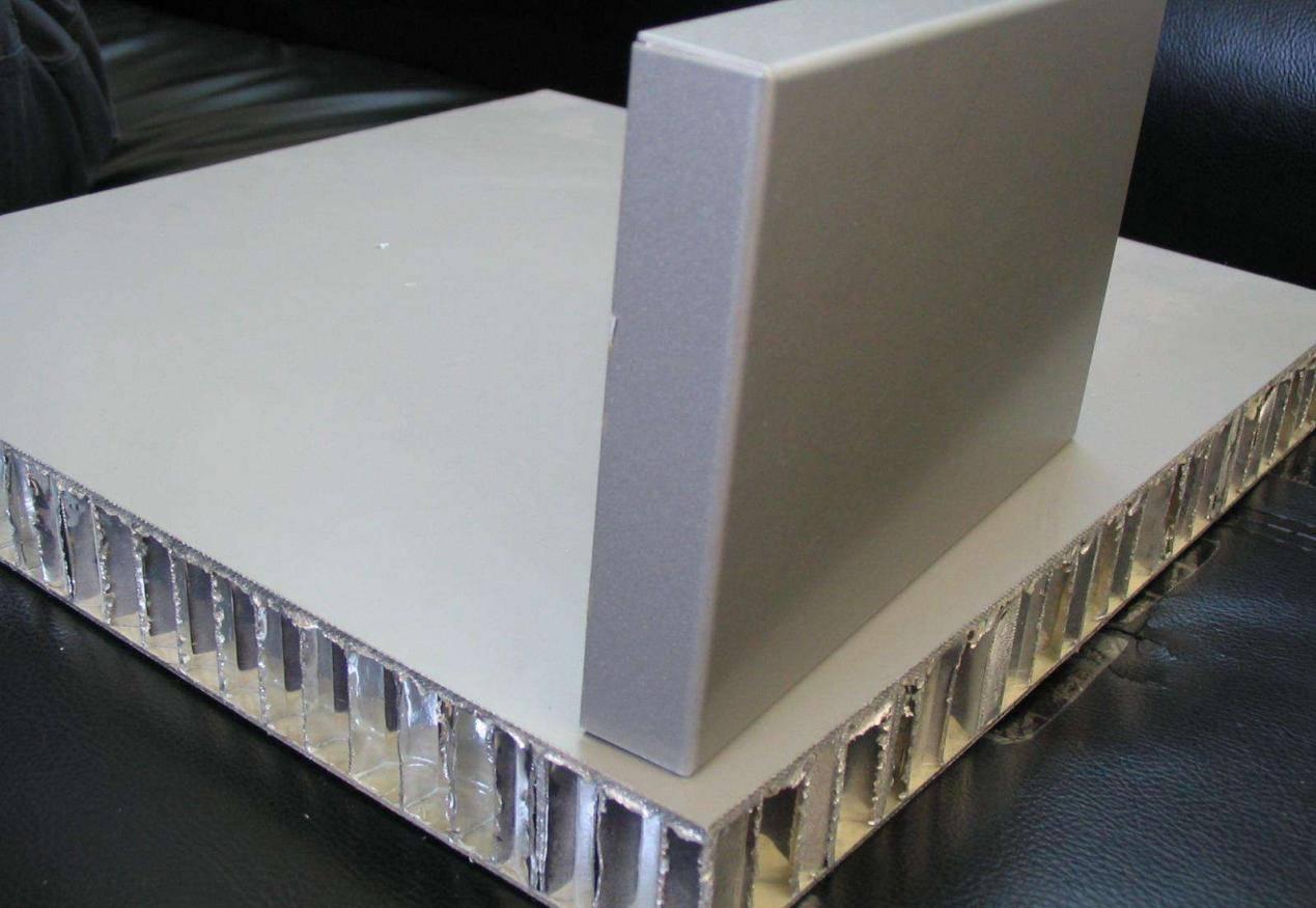 天然居鋁蜂窩大板的獨特之處,你感受到了嗎?