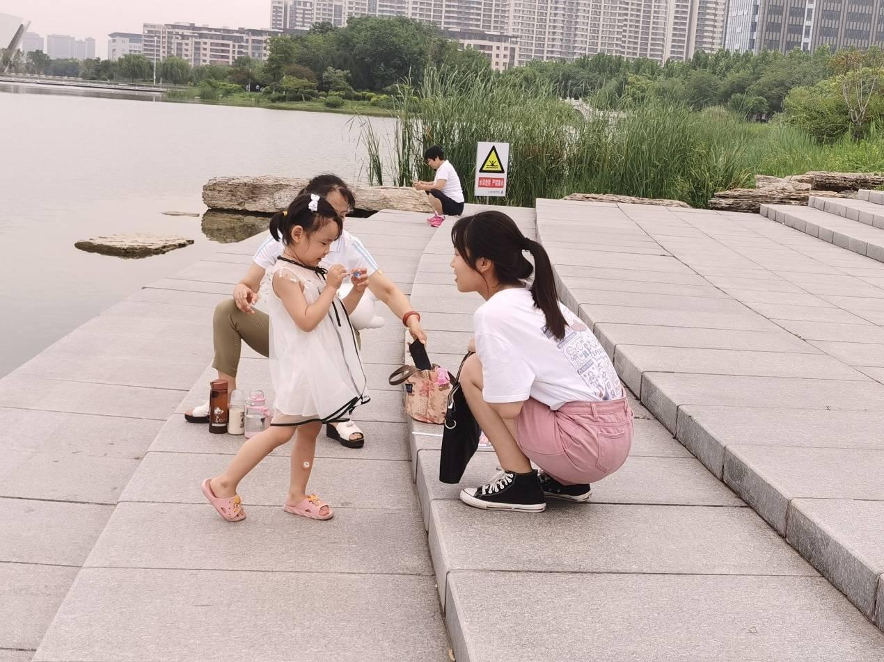 关爱留守儿童,携手打造美好家园—微光点爱实践团