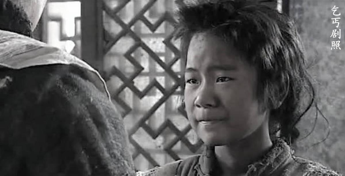 豆腐店老板救一乞丐,乞丐成少将后如此报恩,老板:重情谊啊!