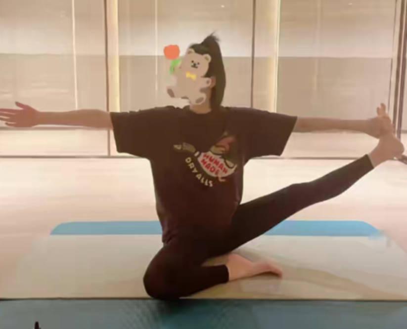 图片[3]-奚梦瑶怀孕六月仍做高难度瑜伽,脸发胖不敢出镜,自曝长高2厘米-番号都