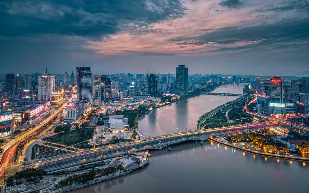 宁波市2021年gdp_福建泉州与浙江宁波的2021年一季度GDP谁更高(3)