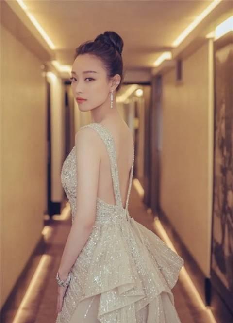 图片[13]-33岁倪妮写真造型好美!穿露背裙身材太好,网友:完美女人的样子-番号都