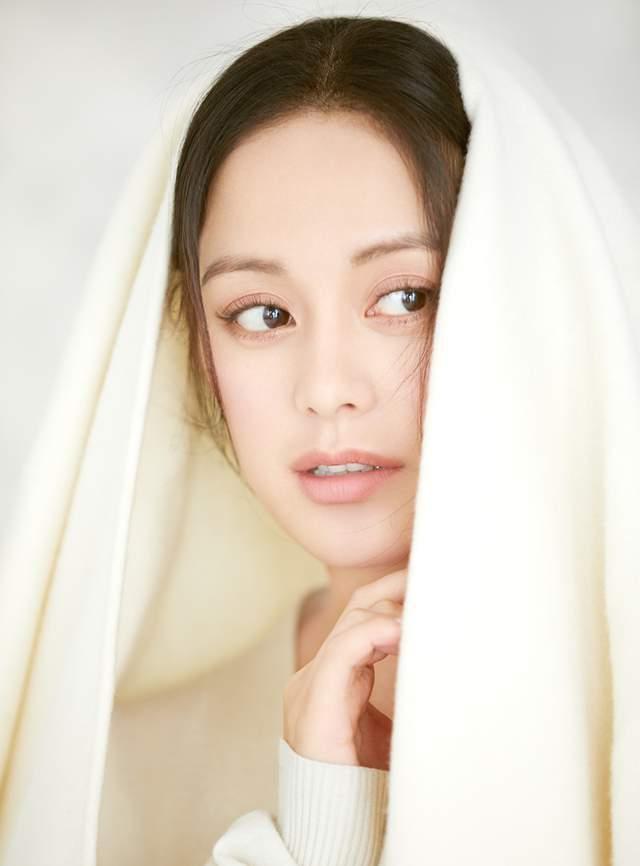 """王力可清纯写真曝光《天堂的张望》获""""红枫叶奖""""最佳女配角"""