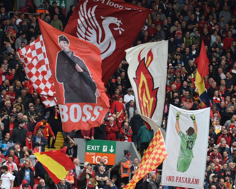 从3-0到2-0!安菲尔德6万球迷疯狂庆祝,红军2连胜登顶英超榜首
