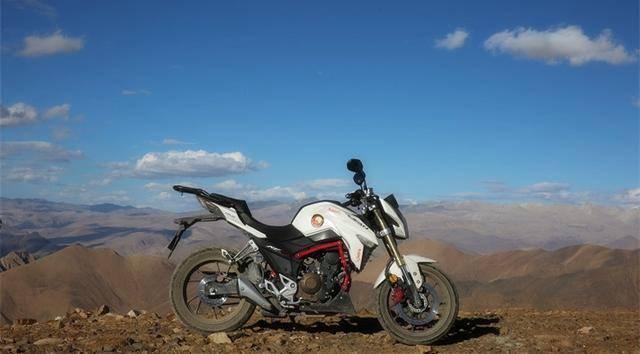 250cc,极速138,配ABS,力帆KP250成公路硬核