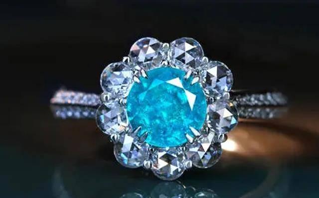 号称爱情标杆,哄骗女性的钻石,实则已经可以低价人工制造