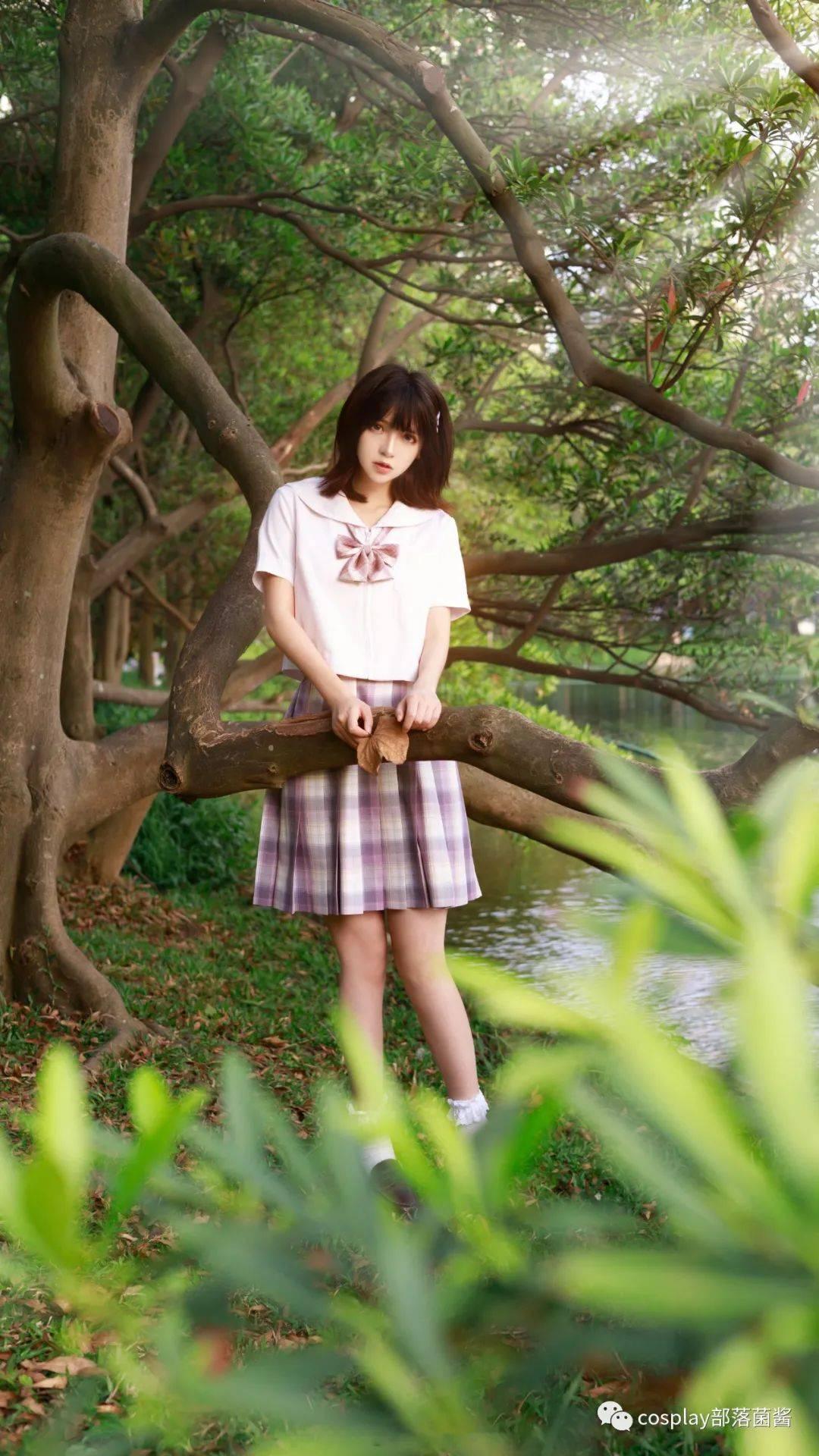 JK少女:夏天的梦里,承载着光怪陆离的奇妙景色