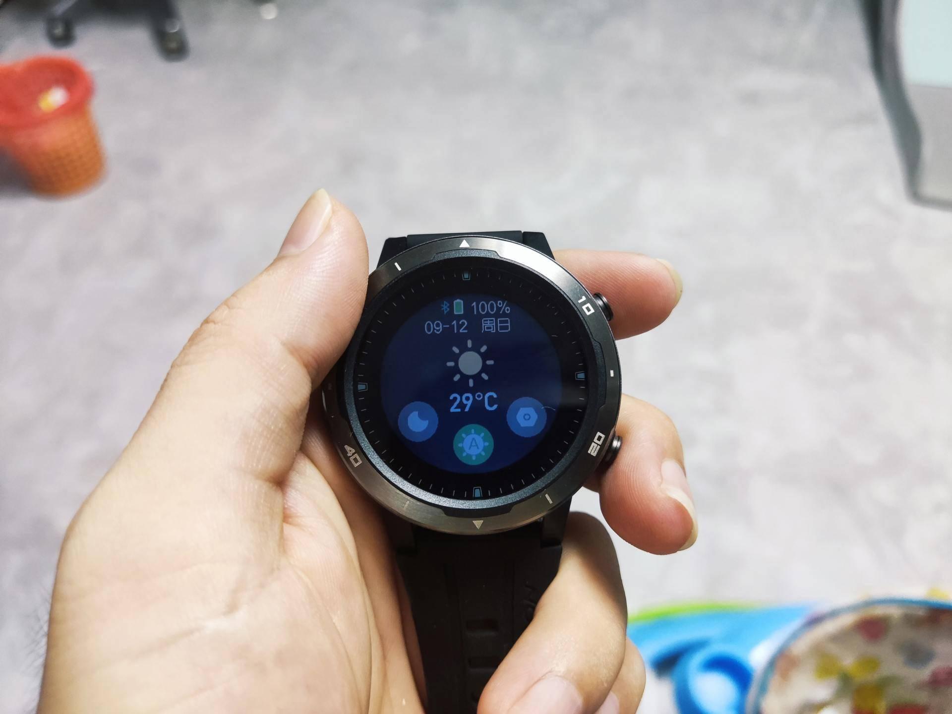 20天续航、时尚简约、轻量设计,咕咚X3 RE运动手表评测