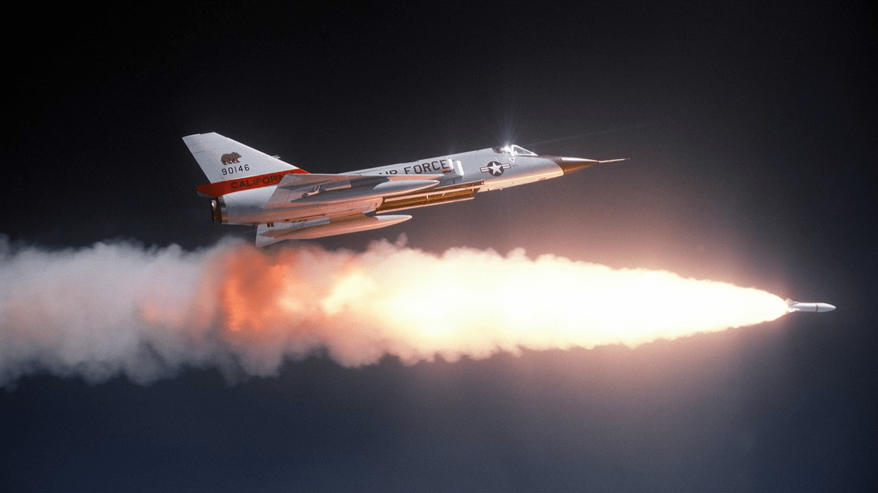 战机被导弹锁定后,为何就只能躲避?能飞到导弹后