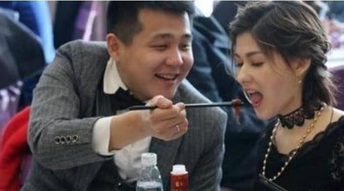 中国小伙娶俄罗斯女子,每人送一座农场,但是你要先做到一点