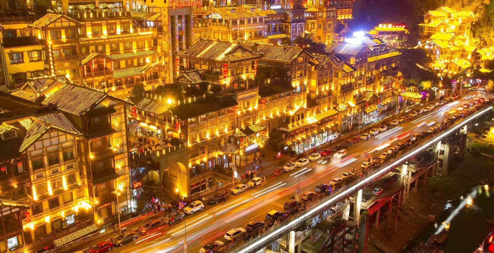 中国最适合穷游的3个城市,消费低美食多,很多景点门票0元