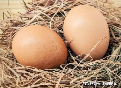 鸡蛋能促进大脑及身体发育,但5类人不可吃,胆囊炎患者最应注意