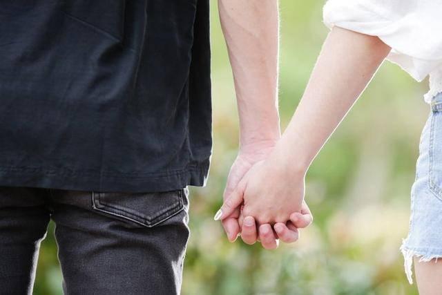 婚姻里,夫妻之间做好3件事,感情才会长长久久
