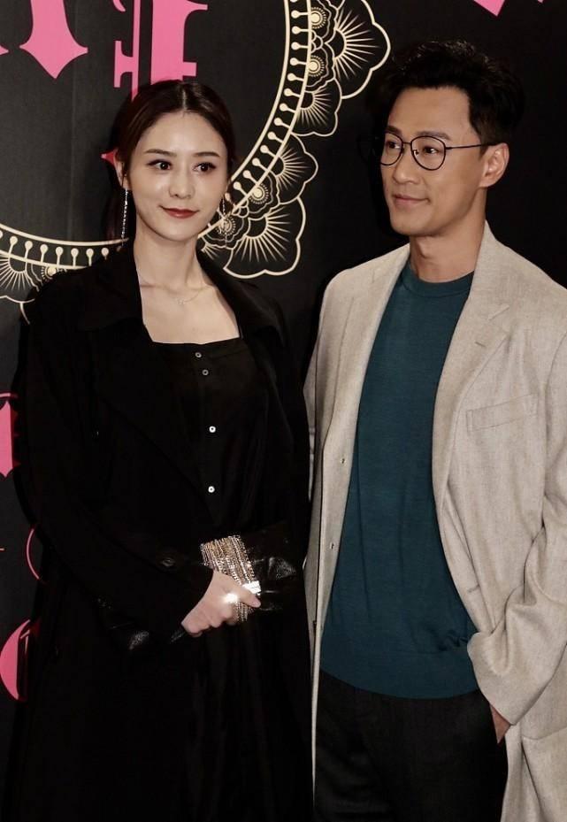 林峰的小娇妻长相真不赖,五官很有女团感,真实的脸蛋很耐看