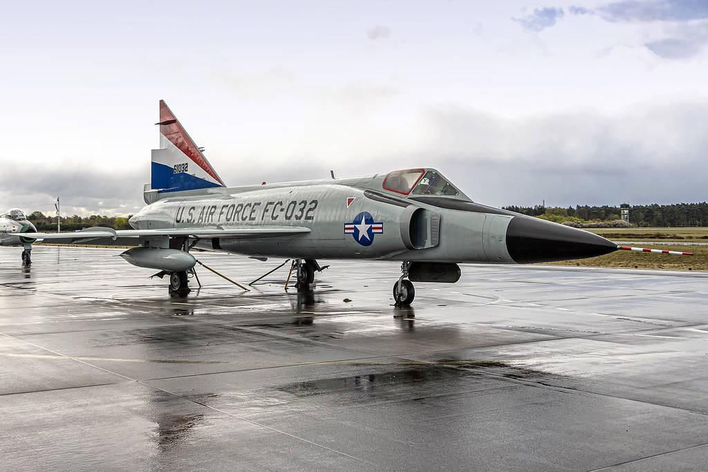 F-102战机设计参照图-128,具备超音速特征,不过实战成效不足!