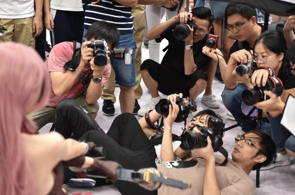 图片[4]-福利姬坑害漫展,四大禁令出炉,摄影师奇葩拍摄方式紧急叫停-妖次元