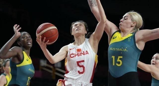 女篮亚洲杯小组赛直播:中国女篮vs澳大利亚女篮 中国女篮势冲三连胜!