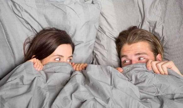 """夫妻常见的3种""""避孕方式"""",第3种最安全,第2种女人最好少用"""