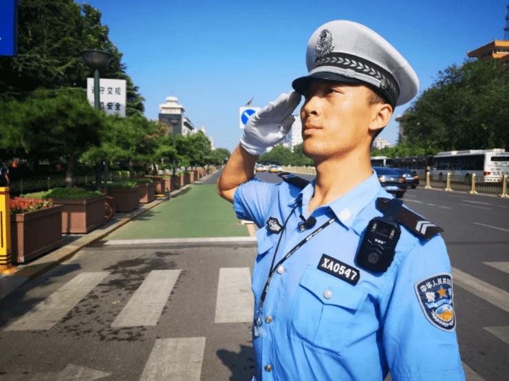 """何为""""年薪制""""辅警?由公安局直接招聘,符合条件"""