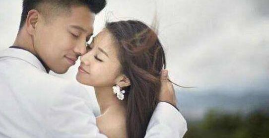 15岁童星出道,与相恋7年男友结婚,老公因她拒绝吻戏