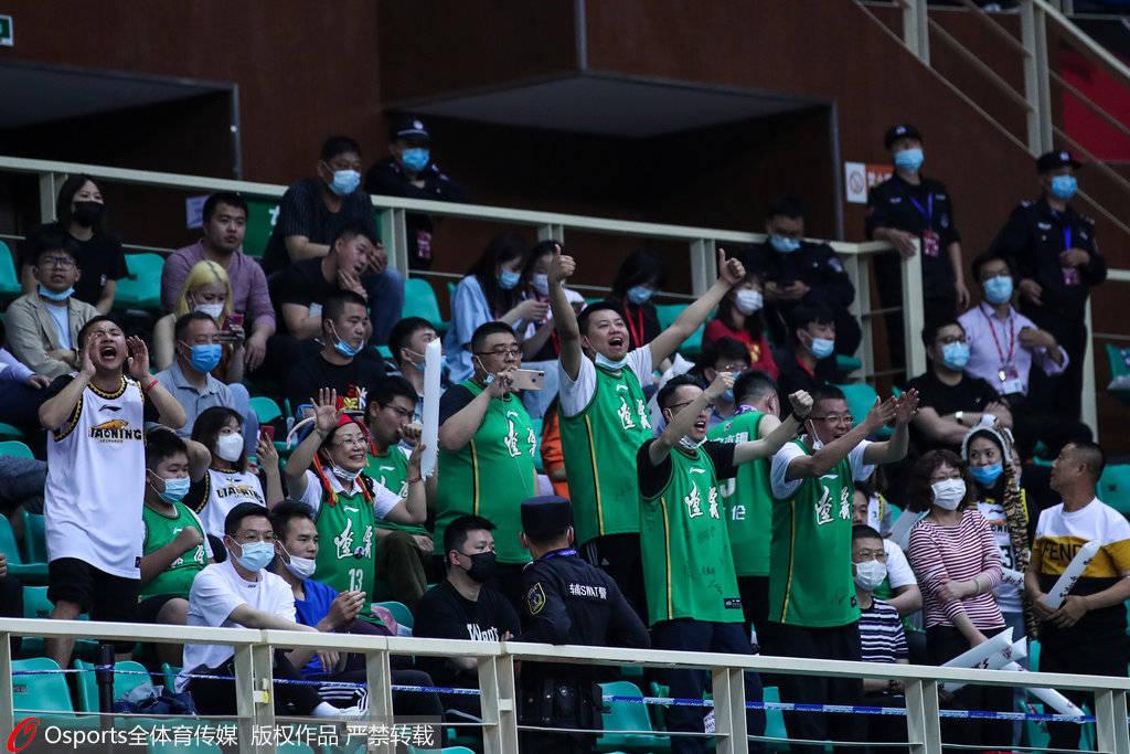 辽篮官方致信现场球迷:展现出辽篮球迷良好的形象