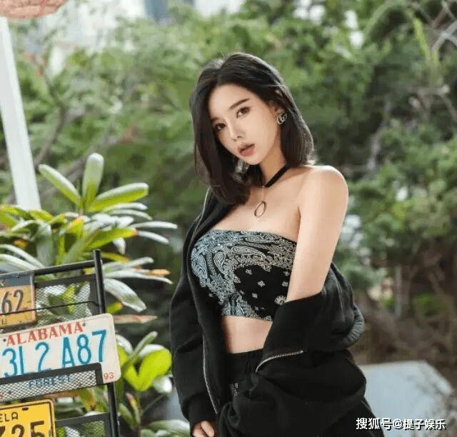 韩国美女车模,模样甜美身材火辣,百看不厌(图4)
