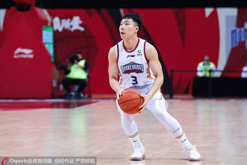 杨皓喆:希望未来能为首钢而战 马布里是心目中的英雄