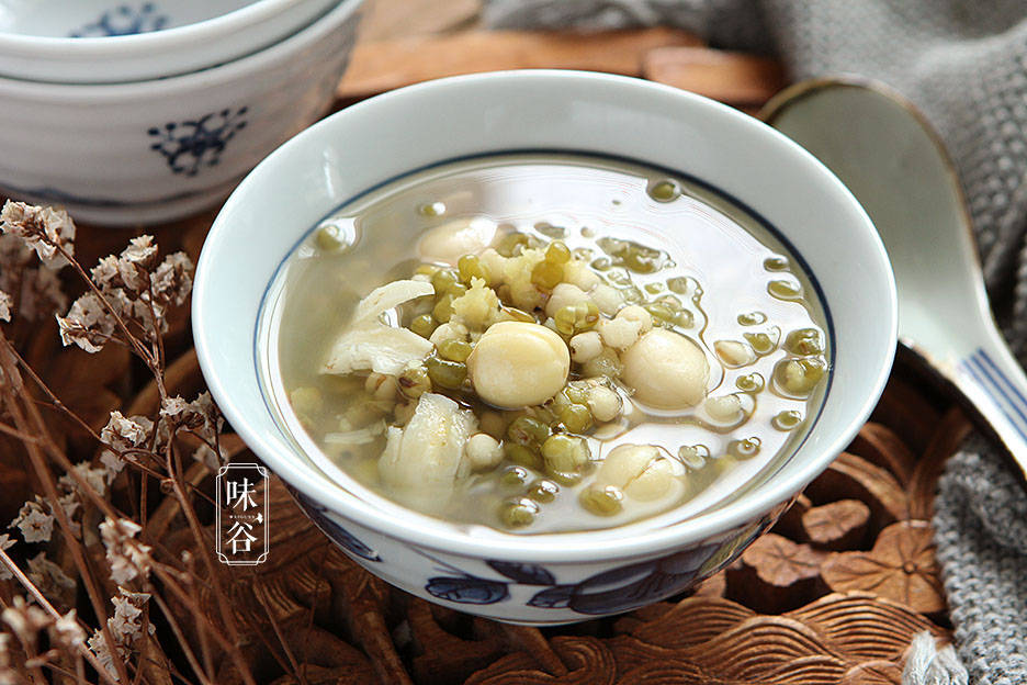 夏天多给家人煮这粥,清热解暑,营养易吸收,助你清凉过一夏