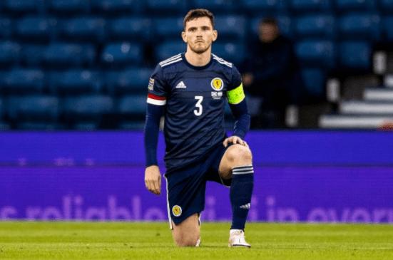 苏格兰将与英格兰球员配合单膝下跪 以反对种族蔑视_KU游官网