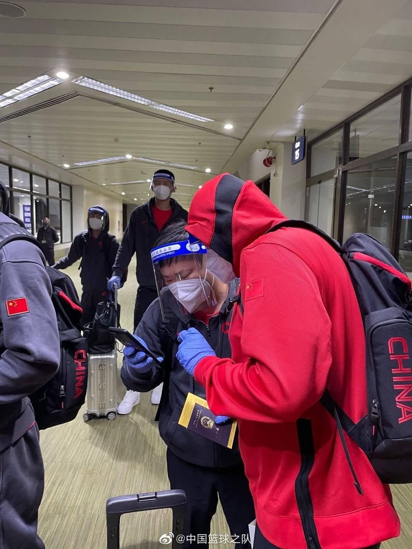 中国男篮到达菲律宾 全队经过核酸检测备战亚初赛-亚博APP
