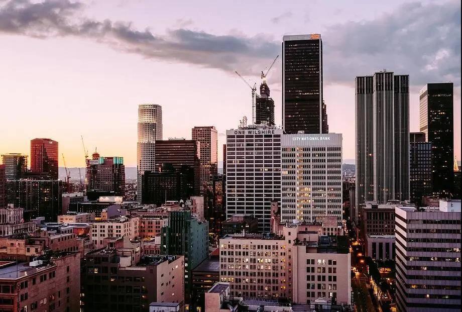 2021年佛山gdp排名_2021中国万亿GDP城市将达17座,佛山成第三座GDP破万亿的地级市