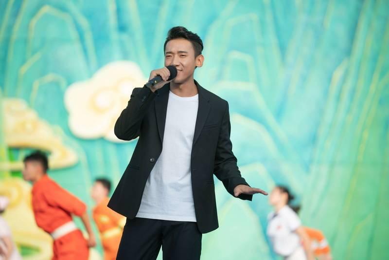 扎西平措亮相中国农民歌会唱响《脱贫宣言》 回归好声音中秋晚会