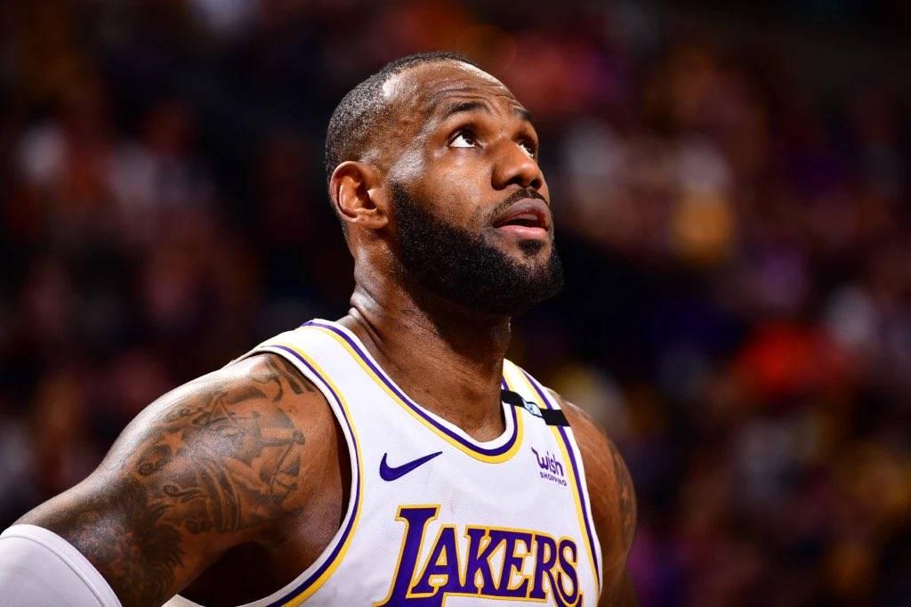 北京时间10月15日,2021-22赛季NBA季前赛继续进行