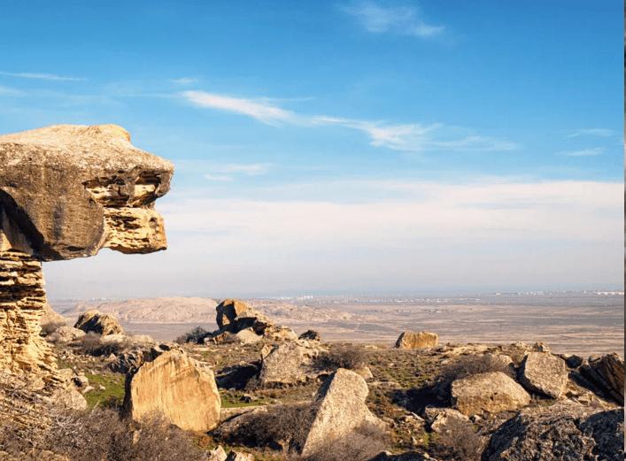 到此一游|岩石版画、神秘湖泊,打卡阿塞拜疆国家公园