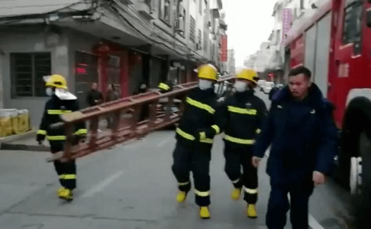 桂林一民房发生火灾 消防解救被困5人