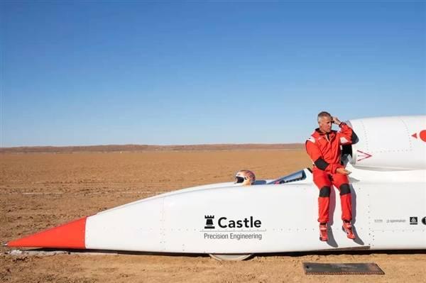 时速1609公里的地表最快火箭车:难以为继卖身了