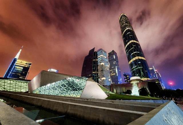 """焦点丨广州多家银行收紧住房信贷背后:金融""""双管控""""与降温楼市"""