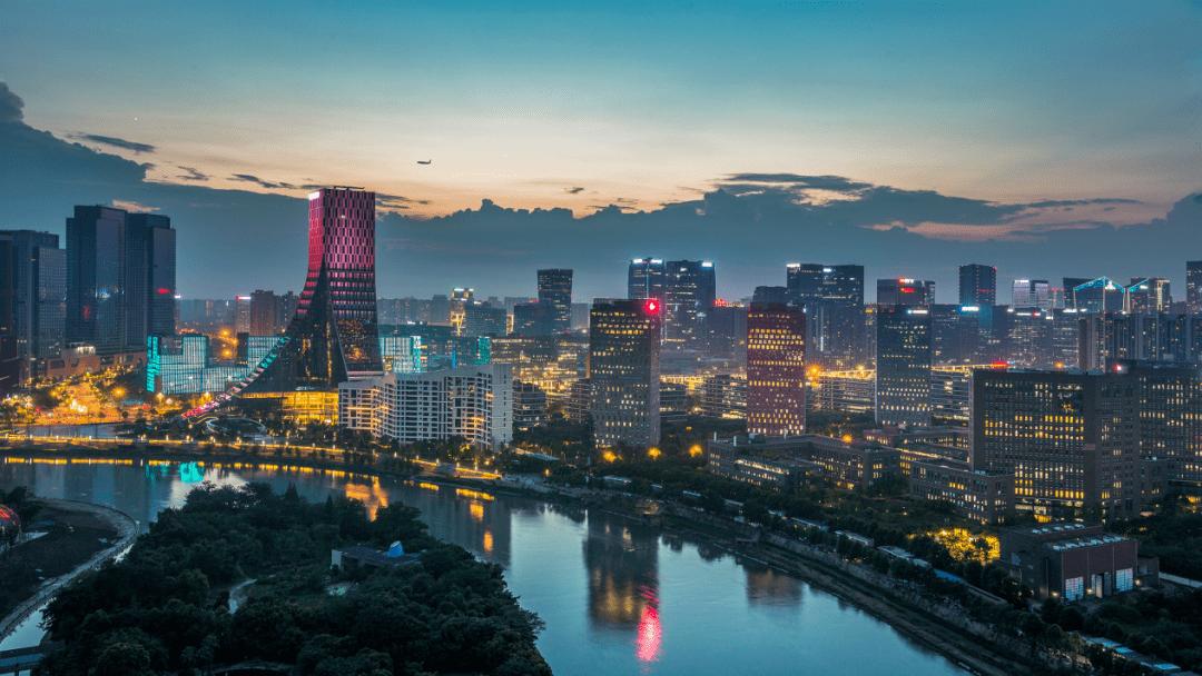 四川成都高新区gdp_从民营经济来看,改革开放40年以来,成都的民营经济从无到有,从小到大
