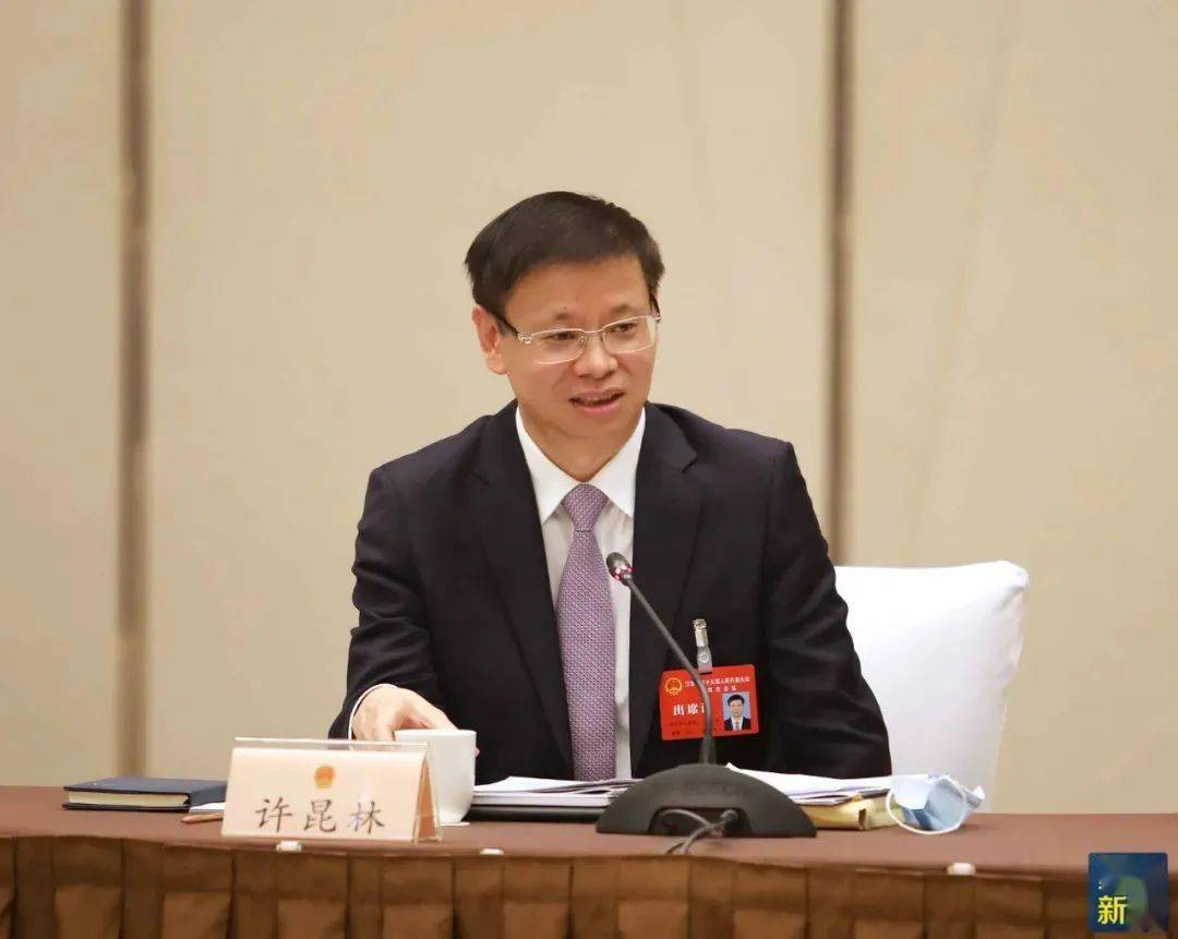 苏州代表团举行全体会议审查《纲要(草案)》并分组审议省政府工作报告