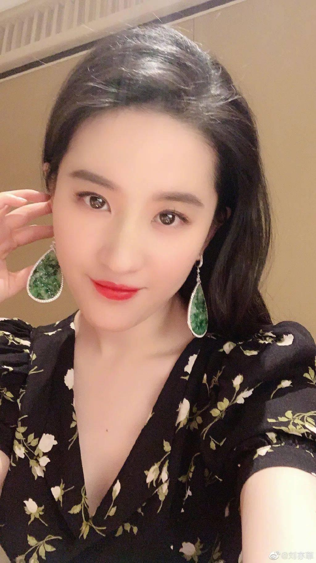 有刘亦菲不适合的发型吗?