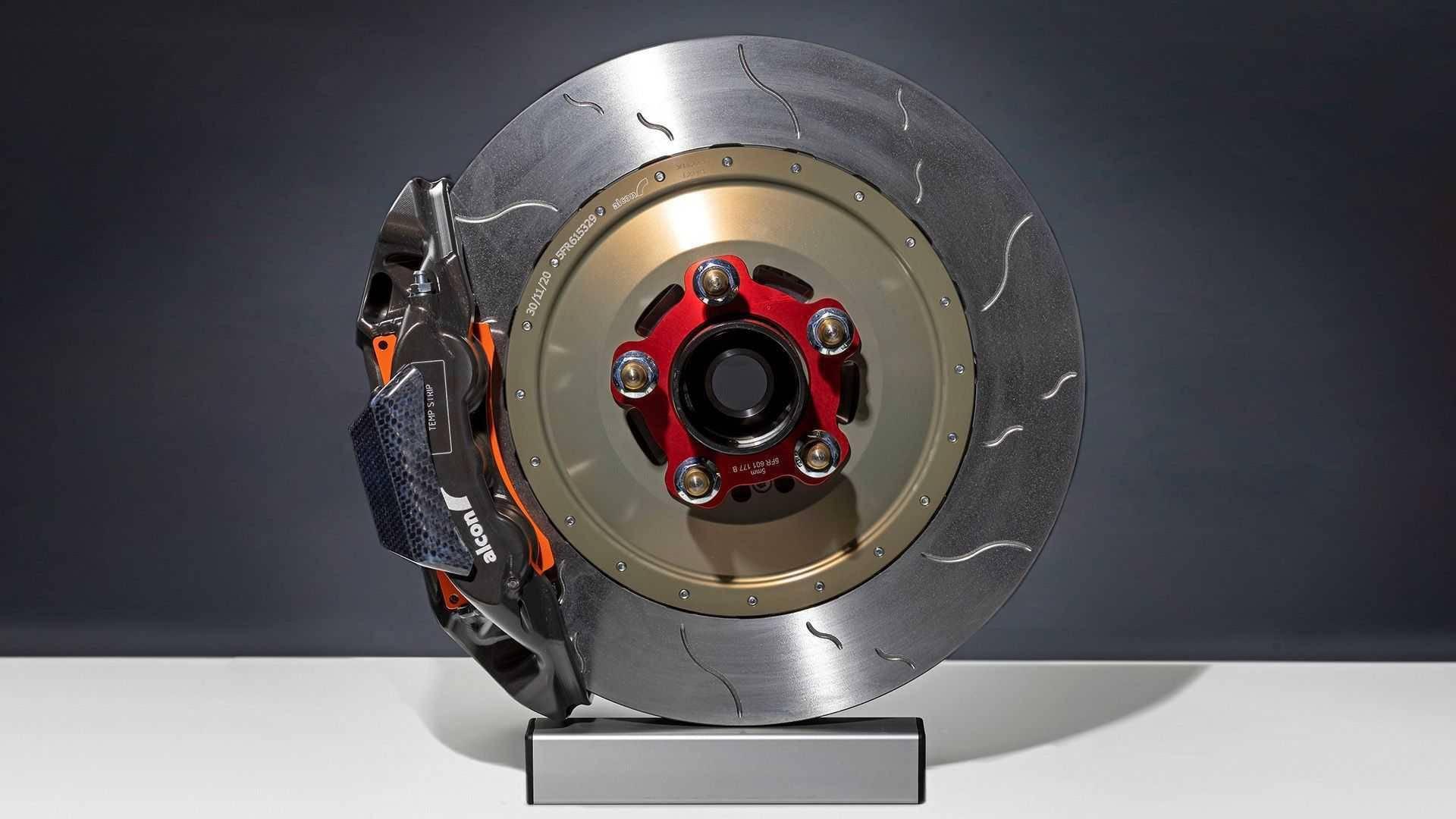 奥迪全新RS3 LMS赛车解析 340匹420牛米底盘调教更简单