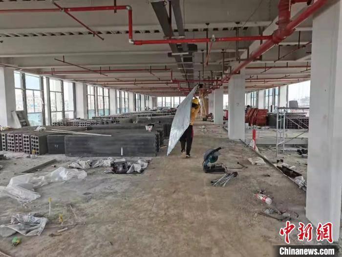 海南自贸港重点项目建设新春佳节不停产职工恪守