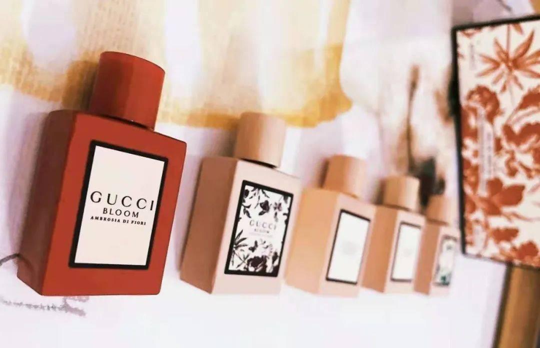 Gucci Bloom 香水初现!细嗅繁花似锦的人生,让不同花香来诠释!