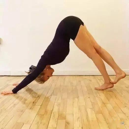 练瑜伽小腿还粗?你没练对体式!
