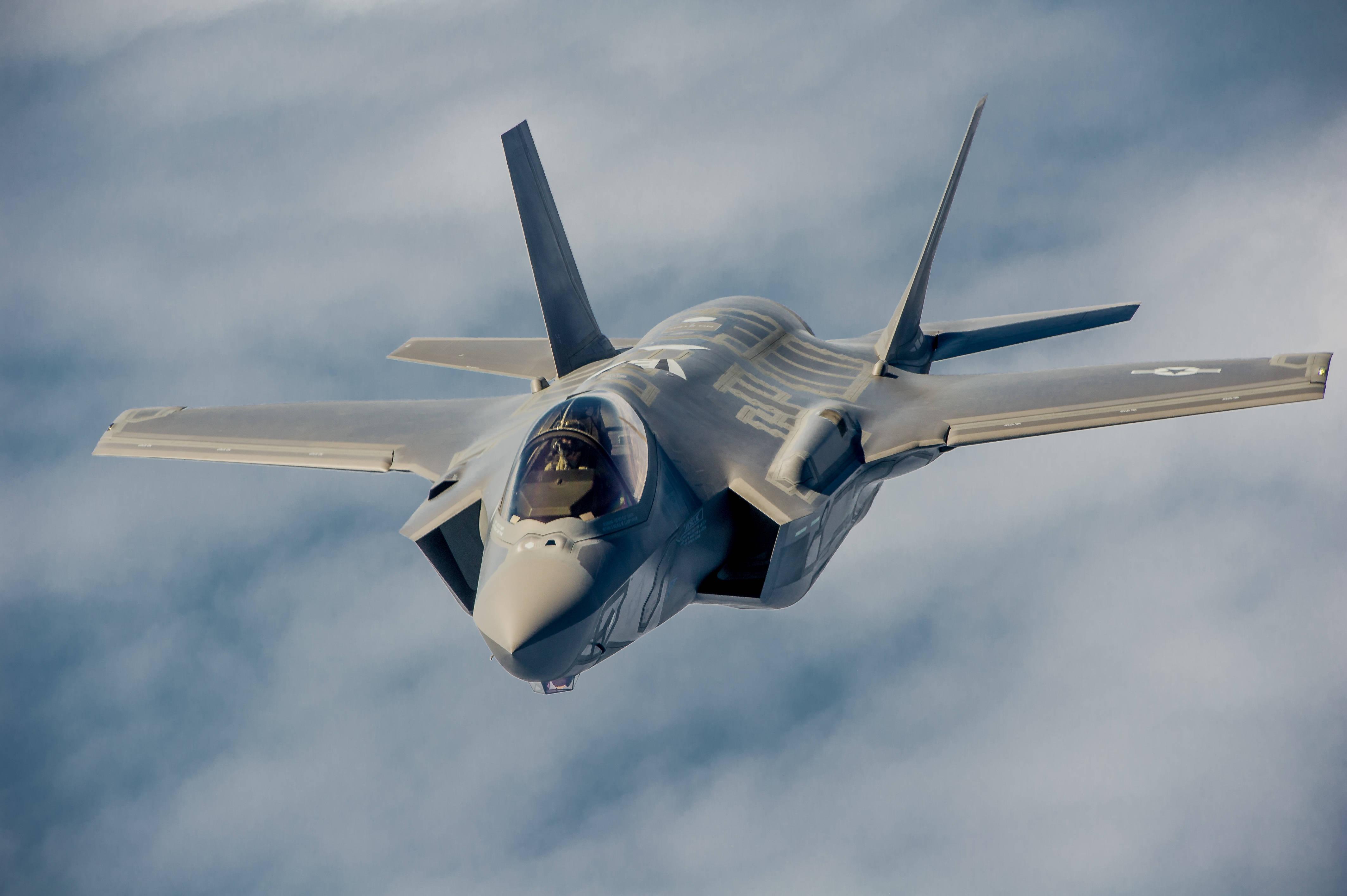 买不起F-35?美军研究买四代机凑数