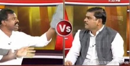 印度人民党领袖在直播中被扔鞋,电视直播中断