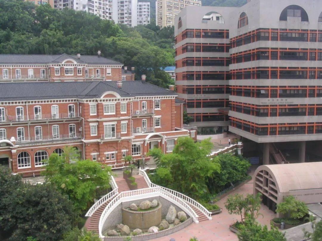 香港地區大學每年在內地招生多少人?