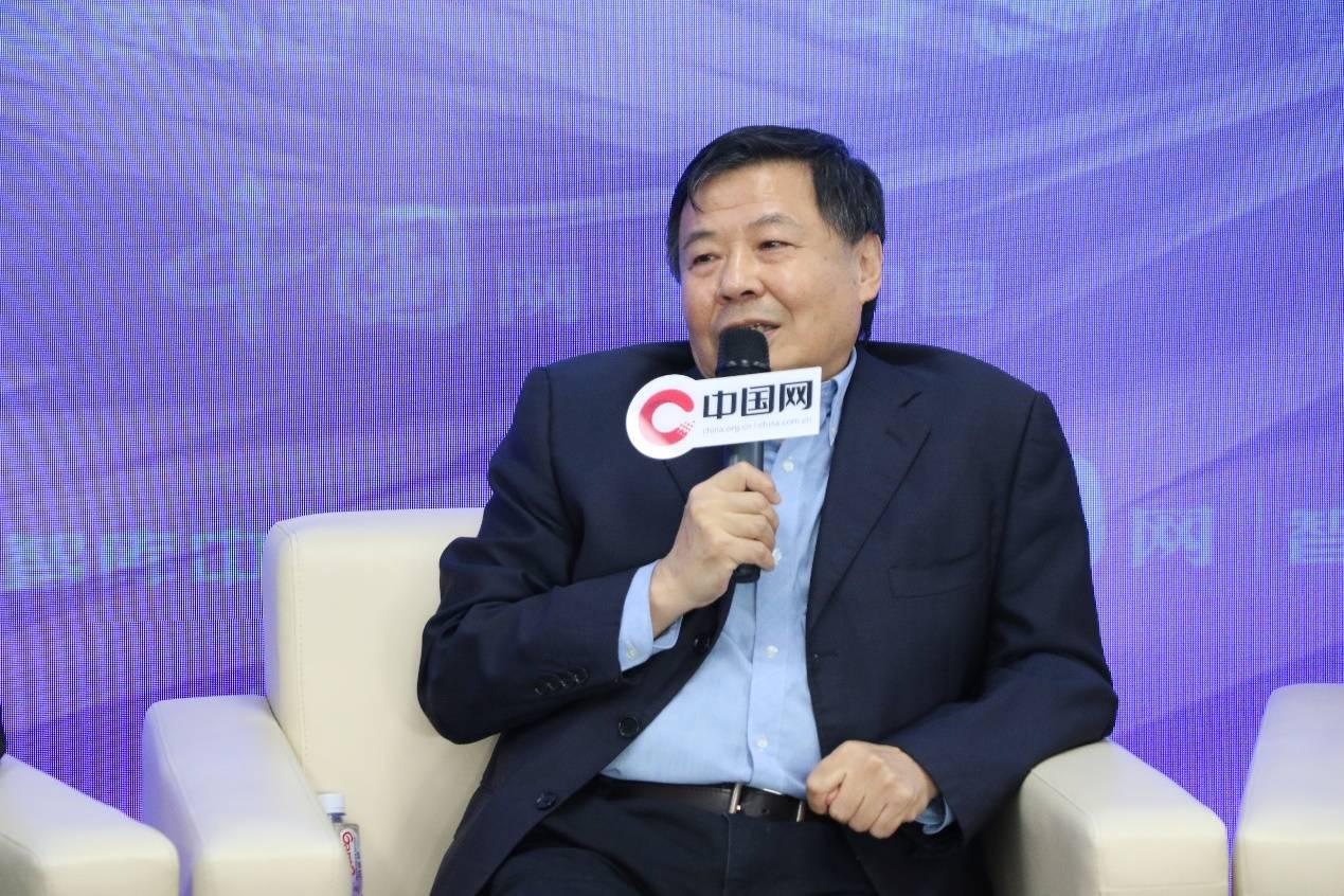 《中国圆桌》2021两会专场论坛在京举办